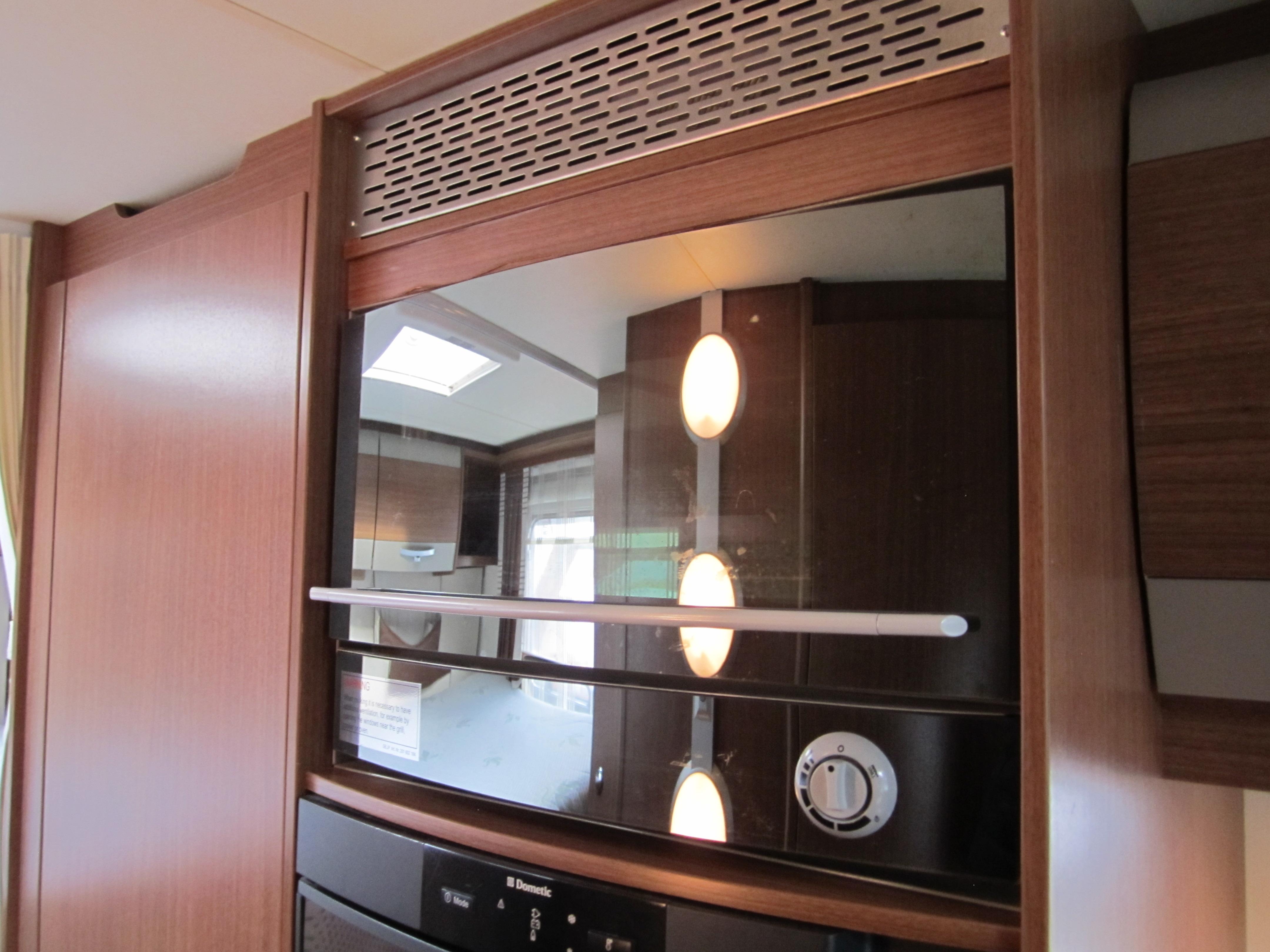 Captain Boat Seats >> 2012 Burstner Nexxo T715G Motorhome. Transverse Double Bed. Large Garage. Leather Seats. High ...